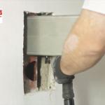 Rohrschneide System an Wand